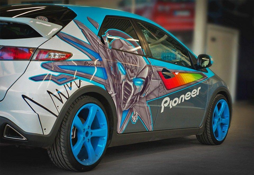 Виниловый дизайн автомобиля