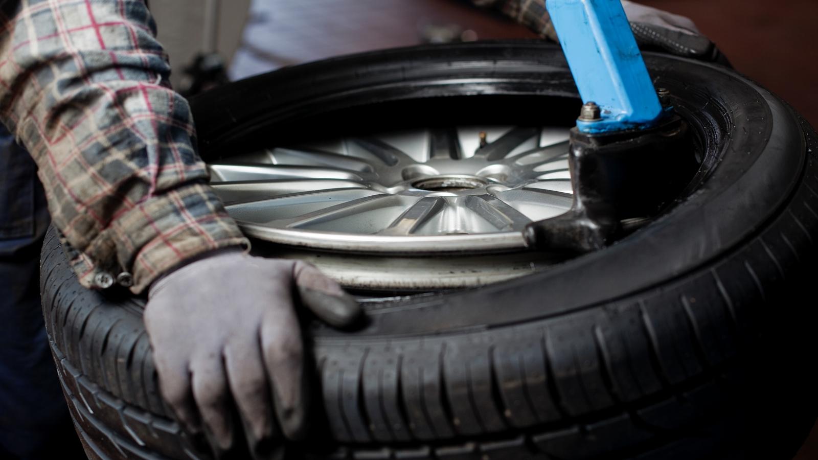 Необходимость замены сезонных покрышек автомобиля