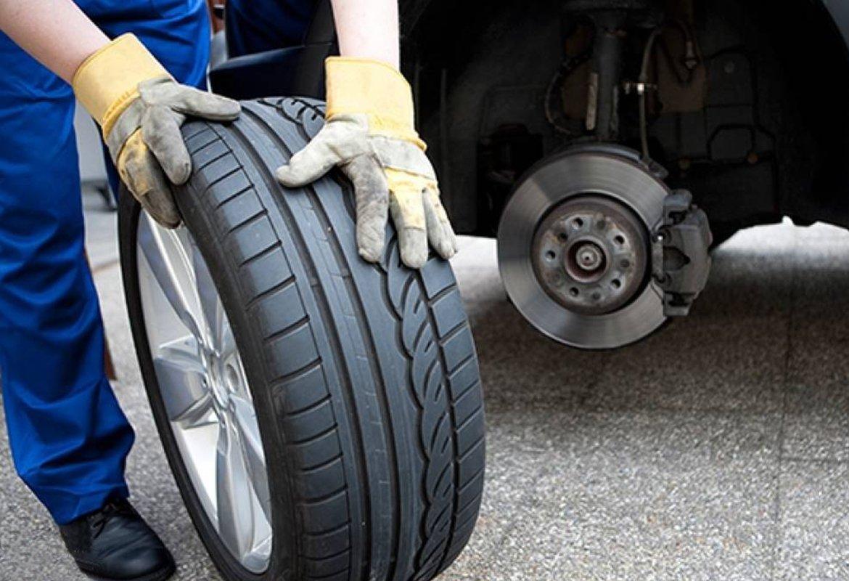Своевременная замена старых автомобильных шин на новые