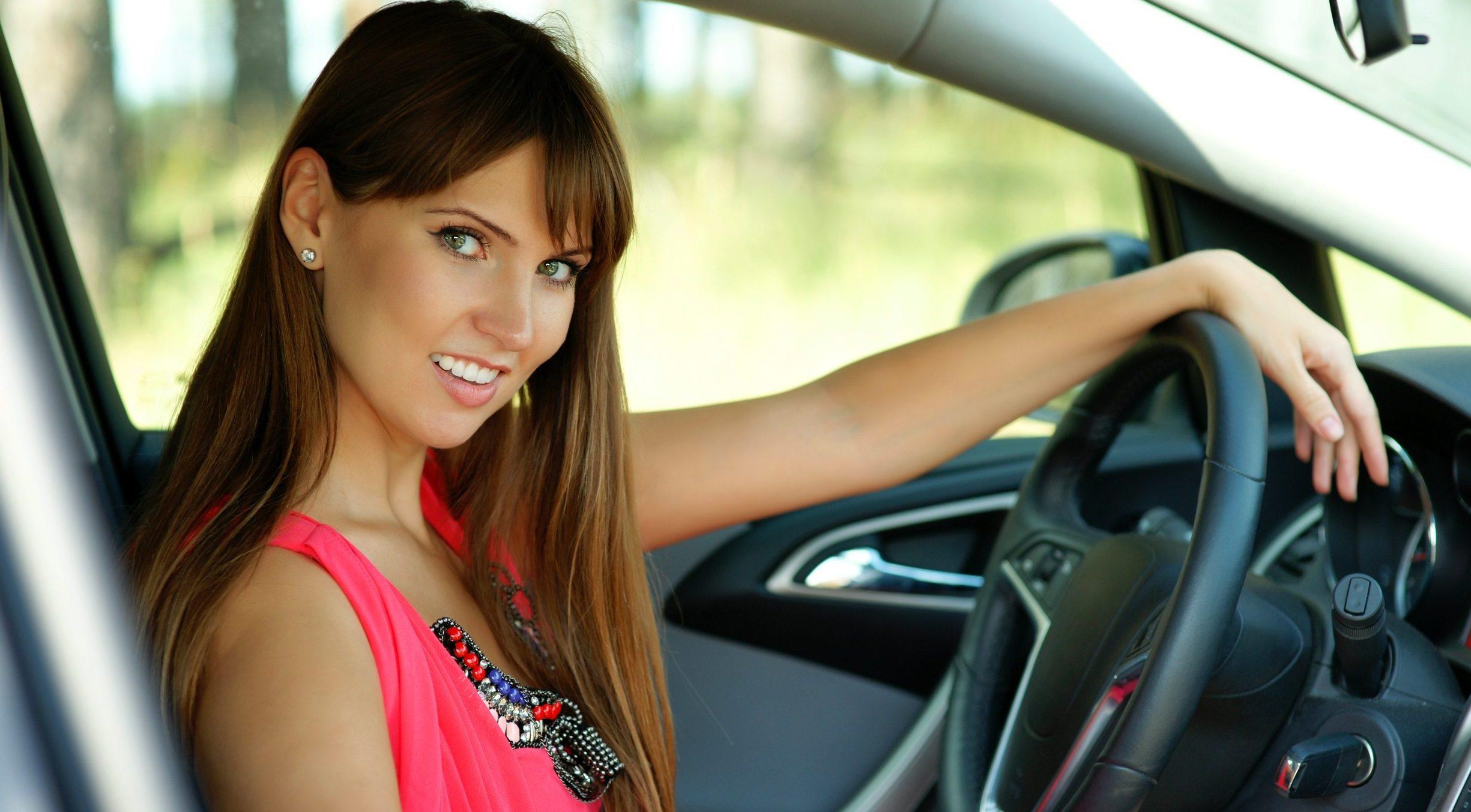 Как женщине начать водить автомобиль