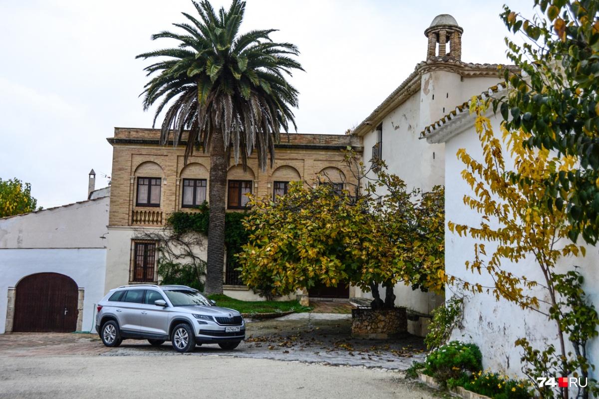Винодельня Can Rafols, куда мы приехали, описав длинную петлю по Каталонским горам