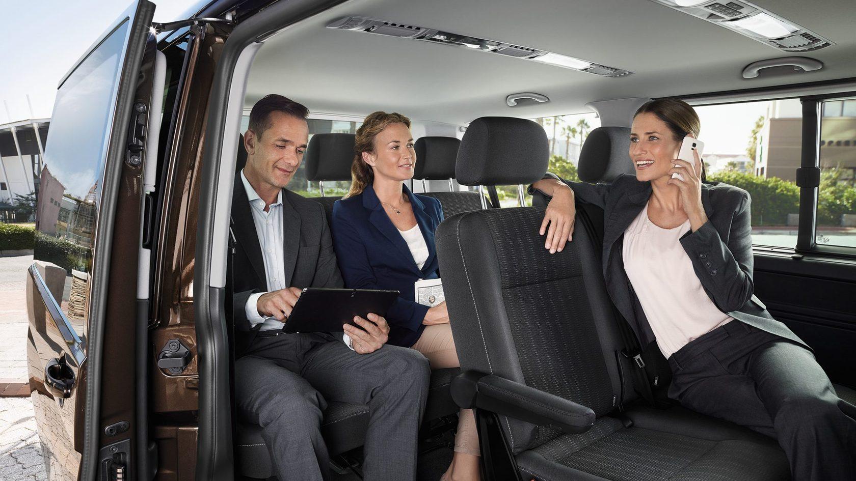 Особенности и достоинства такси минивэн
