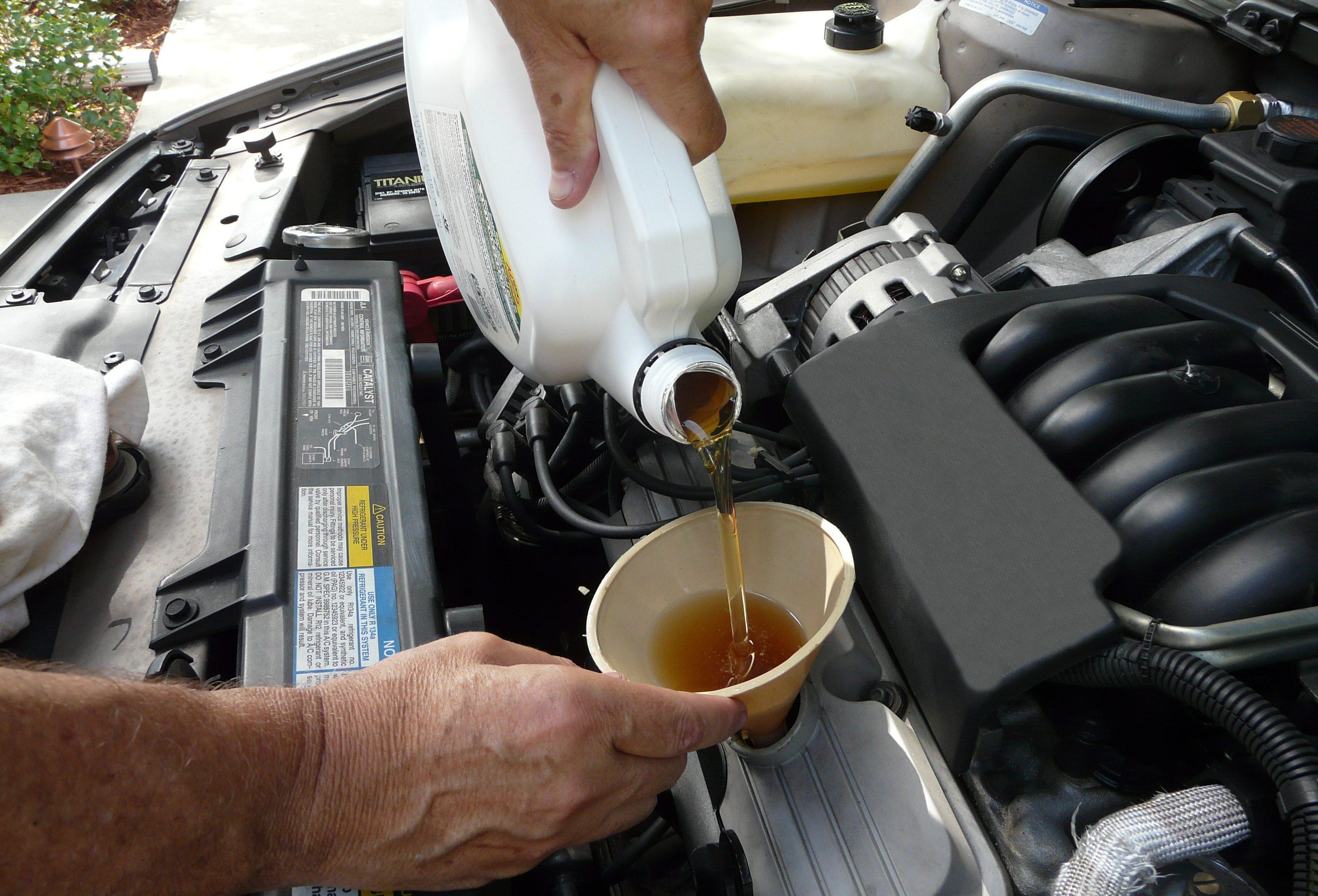 Необходимость замены масел и смазок в автомобиле